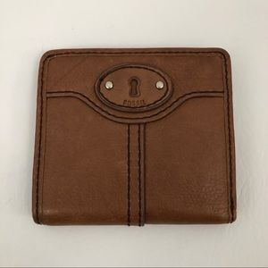 Fossil women's Bifold Leather Wallet Brown